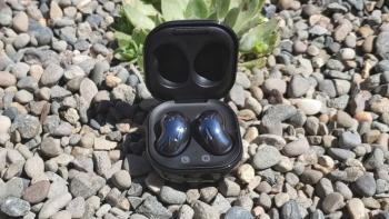 Samsung Galaxy Buds Live vs Galaxy Buds +: pupiņas vai pumpuri?